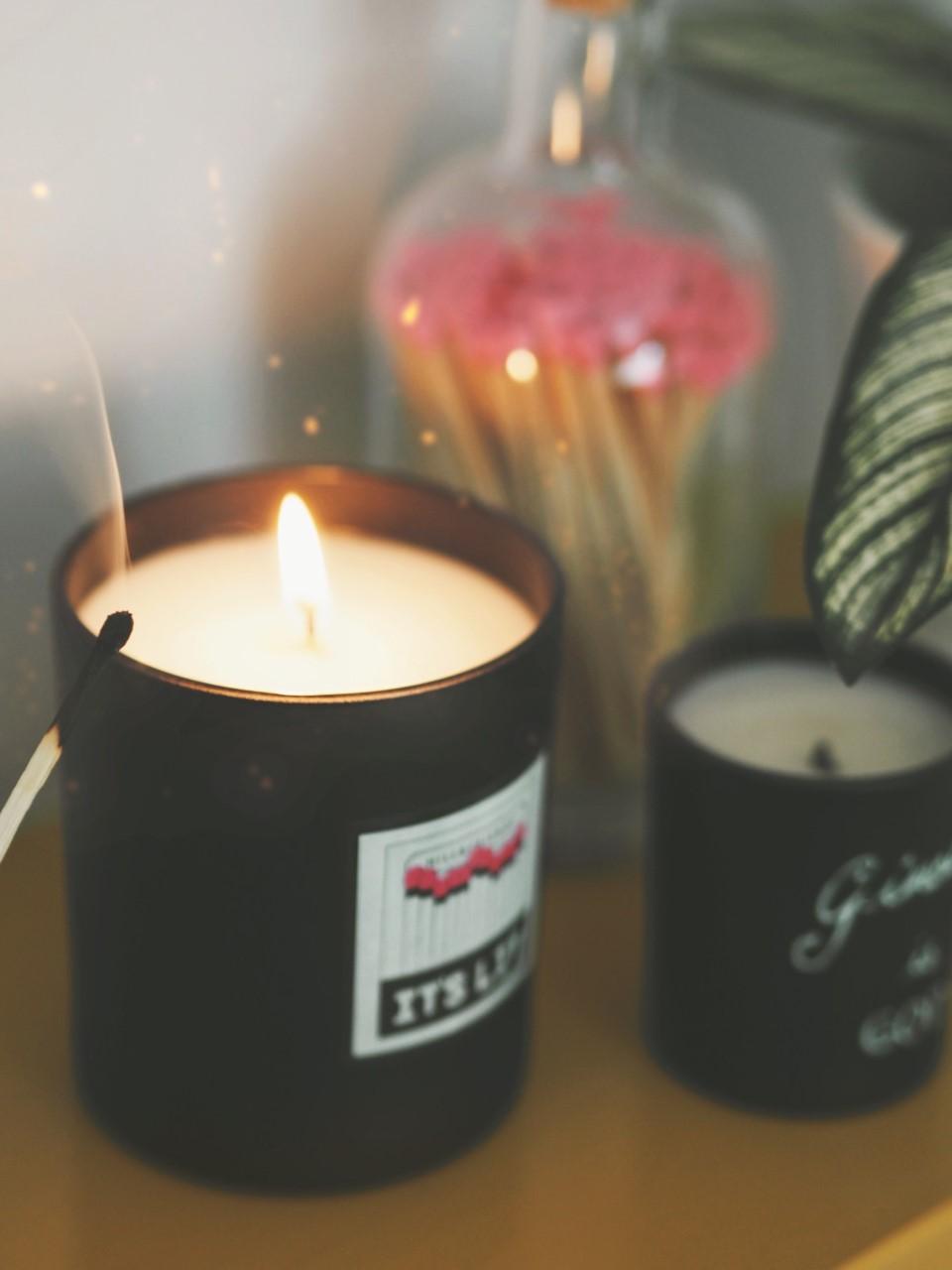 Hill & Friends 'It's Lit' Candle review bag